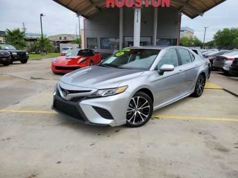 Pre-Owned 2020 Toyota Camry SE Sedan 4D FWD Sedan